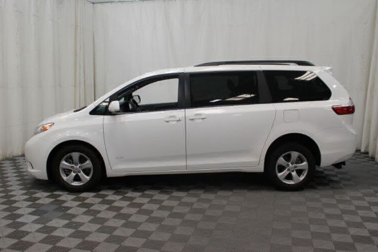 2015 Toyota Sienna LE Wheelchair Van For Sale #34