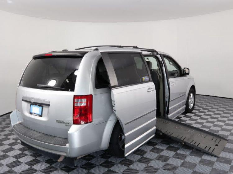 2010 Dodge Grand Caravan SXT Wheelchair Van For Sale #3