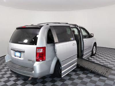 2010 Dodge Grand Caravan Wheelchair Van For Sale -- Thumb #3