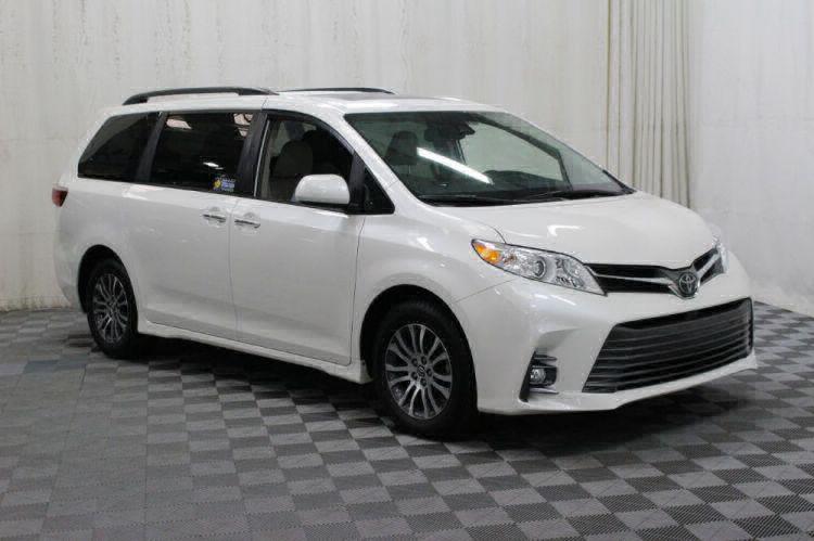 2019 Toyota Sienna XLE Wheelchair Van For Sale #1