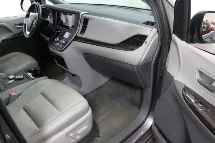 2017 Toyota Sienna XLE Wheelchair Van For Sale #33