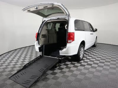Commercial Wheelchair Vans for Sale - 2019 Dodge Grand Caravan SE ADA Compliant Vehicle VIN: 2C4RDGBG2KR790232