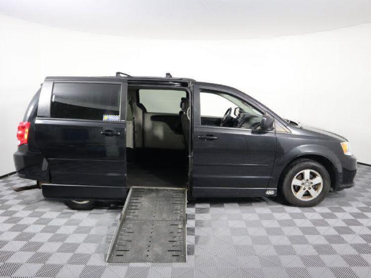 2012 Dodge Grand Caravan SXT Wheelchair Van For Sale #3