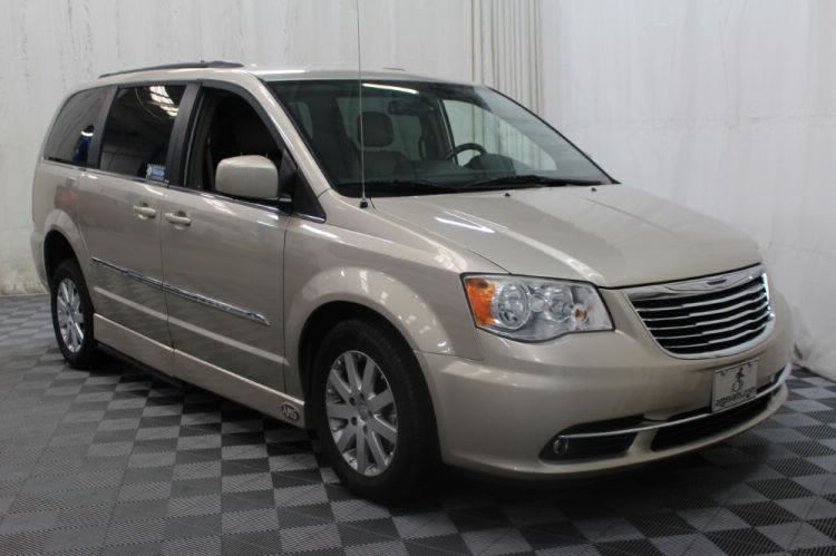 2014 Chrysler Town and Country Touring Wheelchair Van For Sale #4