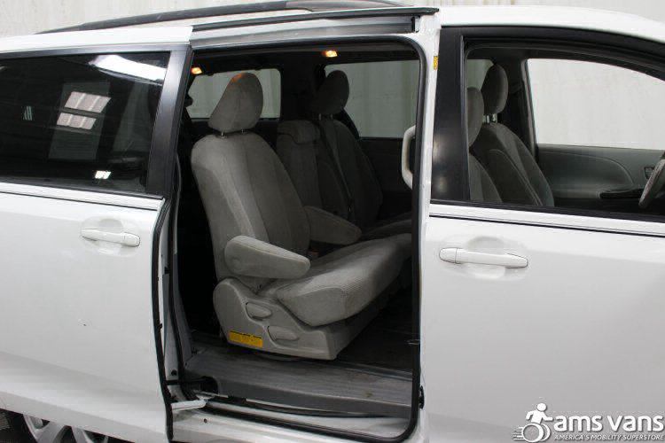 2011 Toyota Sienna LE Wheelchair Van For Sale #7