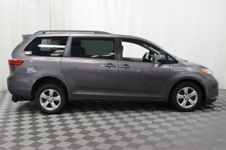2017 Toyota Sienna LE Wheelchair Van For Sale #8