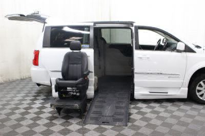 2014 Chrysler Town and Country Wheelchair Van For Sale -- Thumb #13