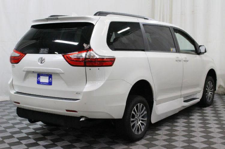 2018 Toyota Sienna XLE Wheelchair Van For Sale #15