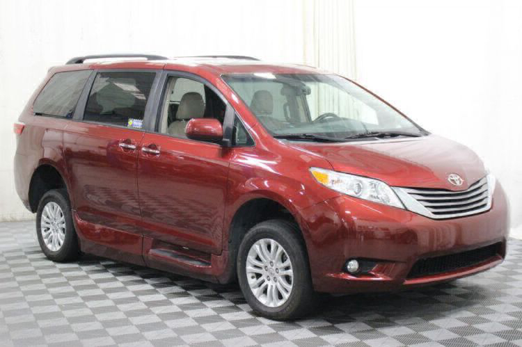 2016 Toyota Sienna XLE Wheelchair Van For Sale #10