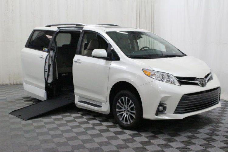 2018 Toyota Sienna XLE Wheelchair Van For Sale #1