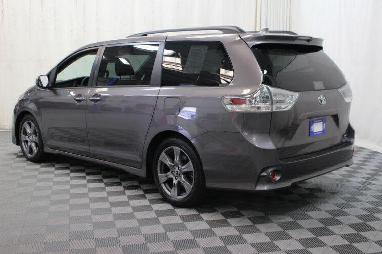 2018 Toyota Sienna SE Wheelchair Van For Sale #7