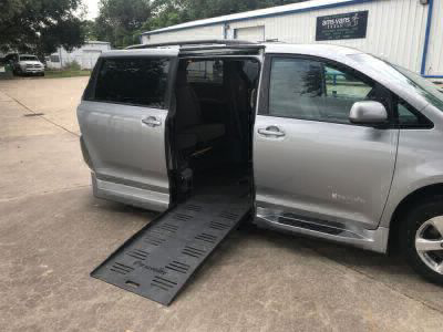 Used Wheelchair Van for Sale - 2017 Toyota Sienna LE Wheelchair Accessible Van VIN: 5TDKZ3DC1HS834517