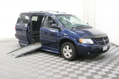Used Wheelchair Van for Sale - 2005 Dodge Grand Caravan SXT Wheelchair Accessible Van VIN: 2D4GP44L05R596622