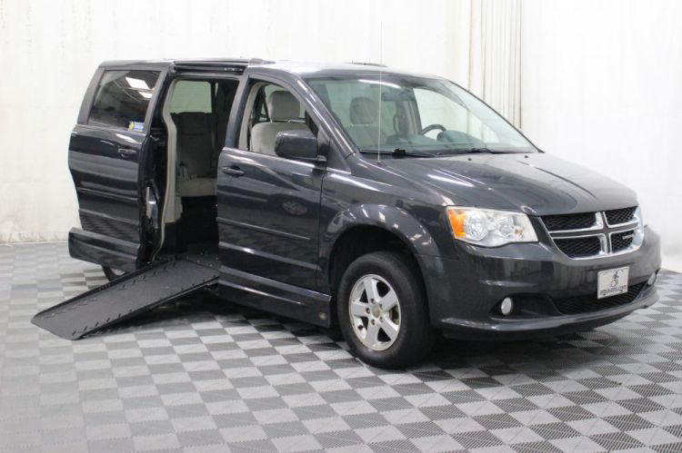 2011 Dodge Grand Caravan Crew Wheelchair Van For Sale #1