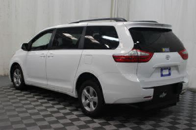 2015 Toyota Sienna Wheelchair Van For Sale -- Thumb #33