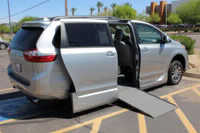 Handicap Van for Sale - 2019 Toyota Sienna XLE Wheelchair Accessible Van VIN: 5TDYZ3DC0KS002703
