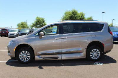 2018 Chrysler Pacifica Wheelchair Van For Sale -- Thumb #6