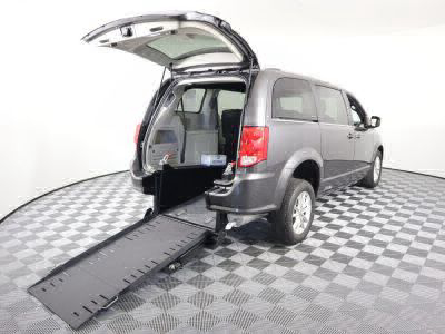 Commercial Wheelchair Vans for Sale - 2018 Dodge Grand Caravan SXT ADA Compliant Vehicle VIN: 2C4RDGCG3JR325536