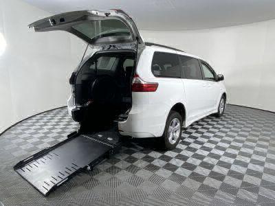 Commercial Wheelchair Vans for Sale - 2020 Toyota Sienna LE ADA Compliant Vehicle VIN: 5TDKZ3DC7LS054658