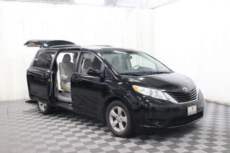 2014 Toyota Sienna LE Wheelchair Van For Sale #17