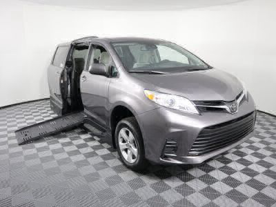 Handicap Van for Sale - 2018 Toyota Sienna LE Wheelchair Accessible Van VIN: 5TDKZ3DC7JS909808