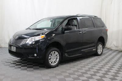 2016 Toyota Sienna Wheelchair Van For Sale -- Thumb #11