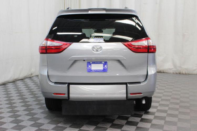 2019 Toyota Sienna XLE Wheelchair Van For Sale #8