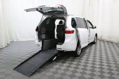 Commercial Wheelchair Vans for Sale - 2017 Toyota Sienna LE ADA Compliant Vehicle VIN: 5TDKZ3DC9HS834961