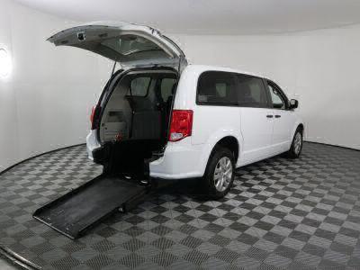 Commercial Wheelchair Vans for Sale - 2019 Dodge Grand Caravan SE ADA Compliant Vehicle VIN: 2C4RDGBG5KR728582