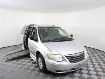 Used Wheelchair Van for Sale - 2007 Chrysler Town & Country LX Wheelchair Accessible Van VIN: 2A4GP44R67R138954