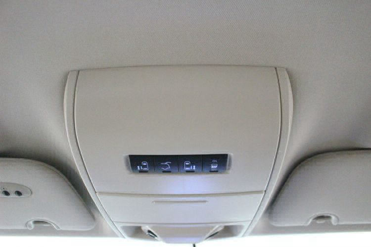 2014 Chrysler Town and Country Touring Wheelchair Van For Sale #23