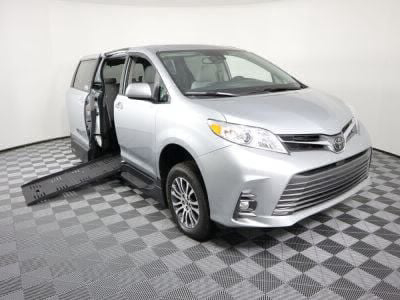 Handicap Van for Sale - 2020 Toyota Sienna XLE Wheelchair Accessible Van VIN: 5TDYZ3DC7LS033710