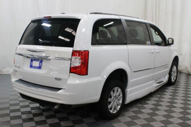 2014 Chrysler Town and Country Touring Wheelchair Van For Sale #5