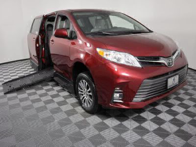 Handicap Van for Sale - 2019 Toyota Sienna XLE Wheelchair Accessible Van VIN: 5TDYZ3DC6KS990618