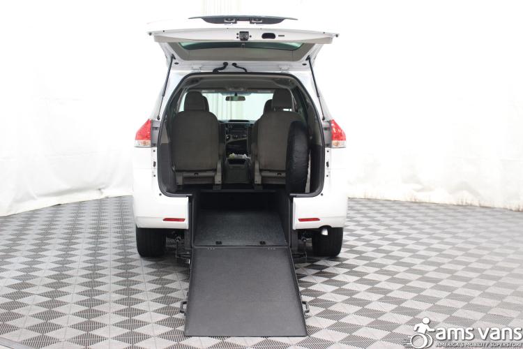 2013 Toyota Sienna L Wheelchair Van For Sale #2