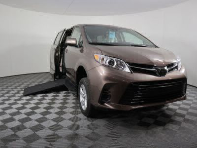 Handicap Van for Sale - 2020 Toyota Sienna LE Mobility Wheelchair Accessible Van VIN: 5TDKZ3DCXLS069588