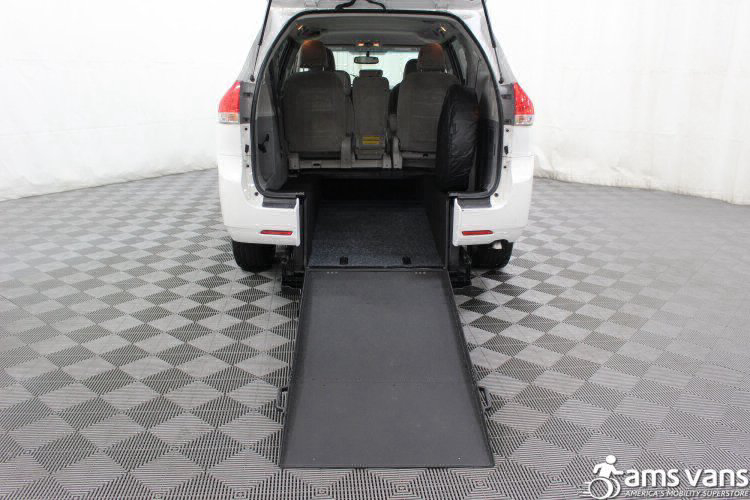 2011 Toyota Sienna LE Wheelchair Van For Sale #3