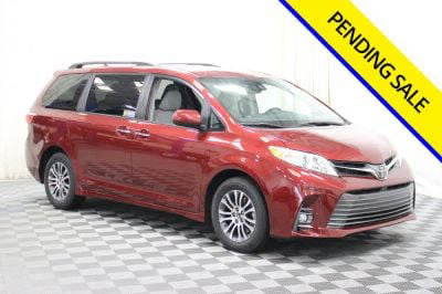 Commercial Wheelchair Vans for Sale - 2019 Toyota Sienna XLE ADA Compliant Vehicle VIN: 5TDYZ3DC6KS984771