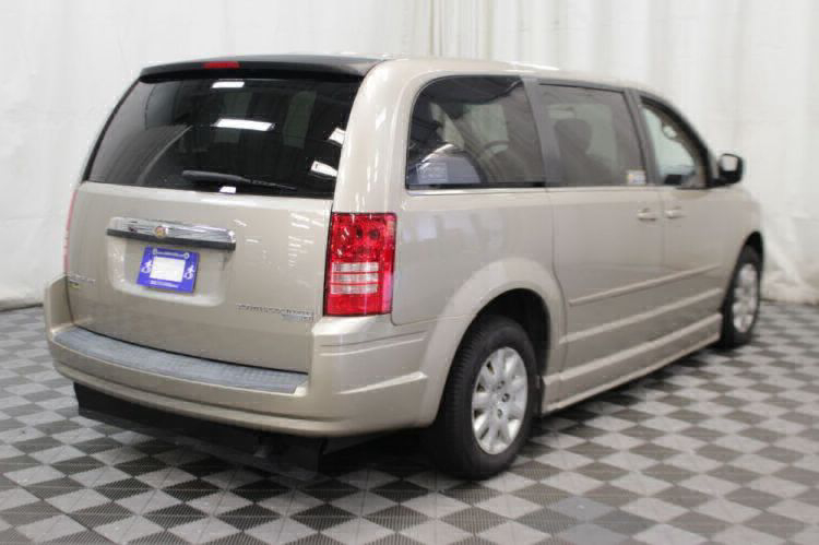 2009 Chrysler Town and Country LX Wheelchair Van For Sale #27