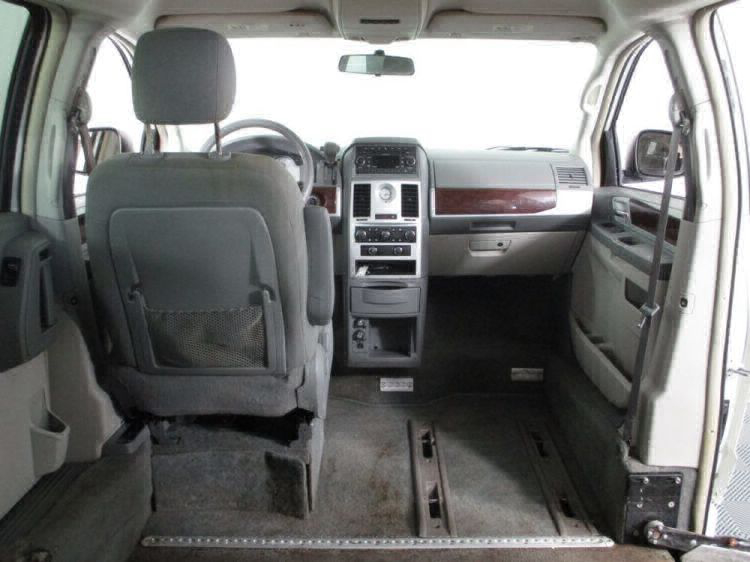 2010 Chrysler Town and Country Touring Wheelchair Van For Sale #9