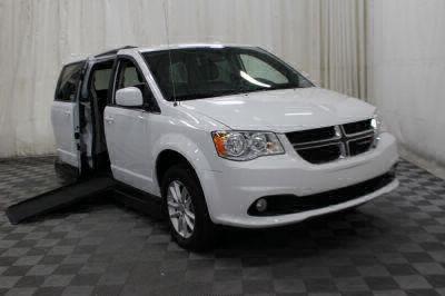 Commercial Wheelchair Vans for Sale - 2019 Dodge Grand Caravan SXT ADA Compliant Vehicle VIN: 2C4RDGCG0KR514128