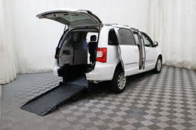 Commercial Wheelchair Vans for Sale - 2016 Chrysler Town & Country Touring ADA Compliant Vehicle VIN: 2C4RC1BG5GR187265