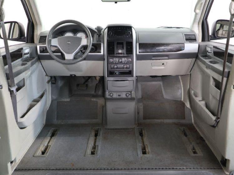 2010 Dodge Grand Caravan SXT Wheelchair Van For Sale #19