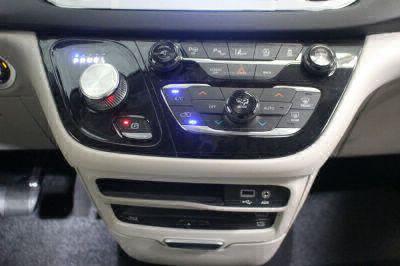 2017 Chrysler Pacifica Wheelchair Van For Sale -- Thumb #19