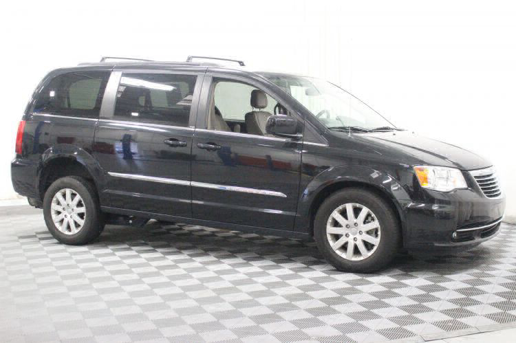 2014 Chrysler Town and Country Touring Wheelchair Van For Sale #6