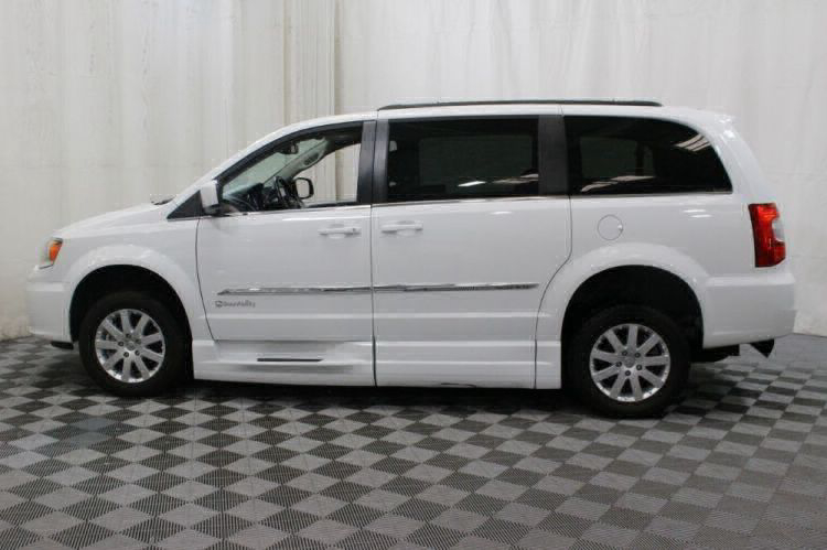 2014 Chrysler Town and Country Touring Wheelchair Van For Sale #8