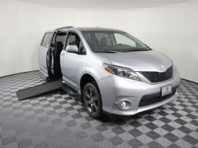 Used Wheelchair Van for Sale - 2016 Toyota Sienna SE Wheelchair Accessible Van VIN: 5TDXK3DC2GS718056