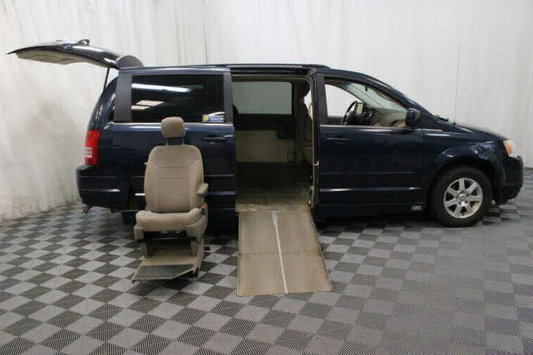 2008 Chrysler Town and Country Touring Wheelchair Van For Sale #11