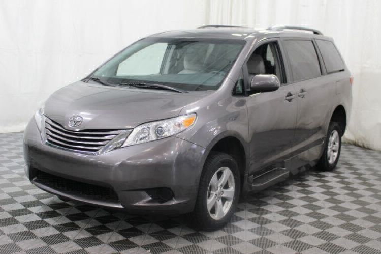 2017 Toyota Sienna LE Wheelchair Van For Sale #39