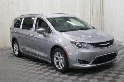 2017 Chrysler Pacifica Wheelchair Van For Sale -- Thumb #32